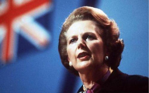 """""""Testament à l'anglaise"""" de Jonathan Coe, satire politique féroce et jubilatoire des années d'austérité Thatcherienne."""