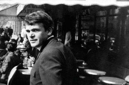 Milan Kundera en 1975, peu de temps après avoir immigré à Paris