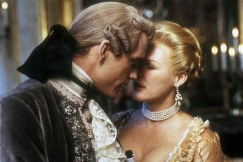 Madame de Merteuil et son ami-ennemi Valmont complotant...