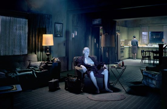 """Le père"" Gregory Crewdson (2007, série ""Beneath the Roses"")"